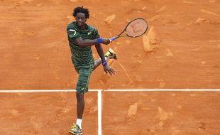 Gaël Monfils a sorti Roger Federer en 2 sets (6-4, 7-6) en huitièmes de finale de Monte Carlo, le 16 avril 2015.