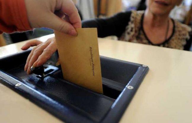 Un bureau de vote à Nancy, le 10 juin 2012, lors d'u premier tour des élections législatives.