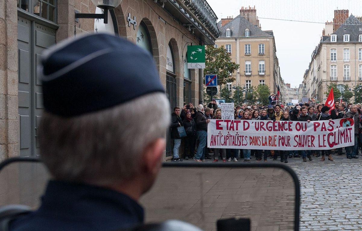 Manifestation en plein état d'urgence à Rennes le 28 novembre 2015. – MATHIEU PATTIER/SIPA