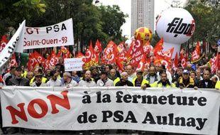 Des salariés de PSA Aulnay manifestent à Paris, le 9 octobre 2012