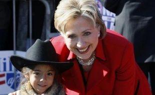 De nombreux commentateurs estimaient que de nouvelles défaites de Mme Clinton au Texas et dans l'Ohio (nord), survenant après onze revers d'affilée essuyés depuis un mois, pourraient mettre un coup d'arrêt à sa quête de l'investiture démocrate pour la présidentielle.