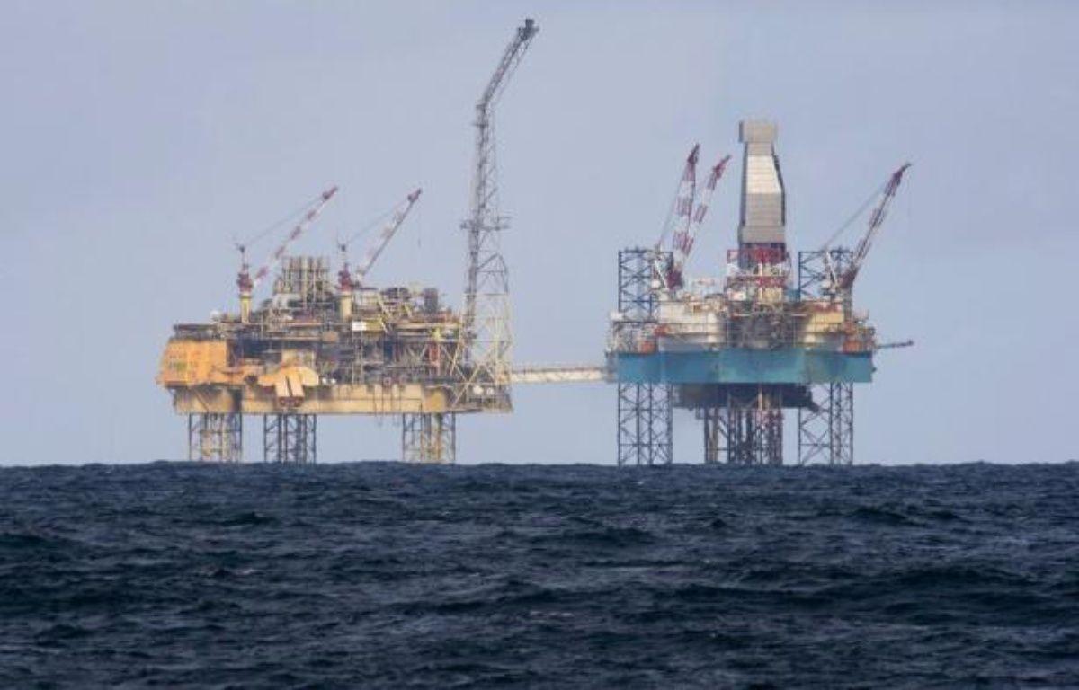 Total lancera dans les prochains jours une intervention visant à arrêter la fuite de gaz qui s'est déclenchée fin mars sur la plateforme Elgin en mer du Nord, a déclaré jeudi le PDG du groupe pétrolier français, Christophe de Margerie. – Jonathan Nackstrand afp.com