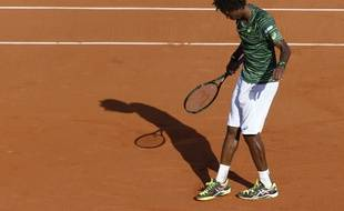 Gaël Monfils a pris le temps de faire un dessin sur le court à la fin de son 2e tour de Roland-Garros, le 26 mai 2015.