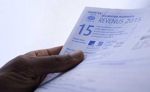 Un formulaire de déclaration de revenus 2015.