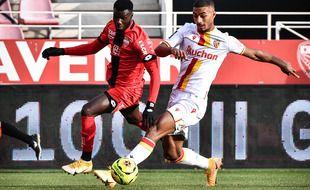 Pour ses débuts en Ligue 1, Loïc Badé a joué 31 rencontres, dont 29 comme titulaire, sous le maillot lensois la saison dernière.