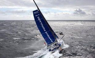 Le Français Armel Le Cléac'h (Banque Populaire) conservait dimanche soir la première place du Vendée Globe à environ 48 heures de route du cap Horn, devant son compatriote François Gabart (Macif), à seulement 2,9 milles derrière lui après 50 jours de mer.