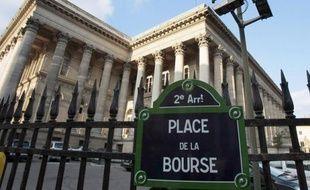 La Bourse de Paris abandonnait 1,59% lundi au cours des premiers échanges, dans un marché dominé par la chute des valeurs financières alors que la méfiance des investisseurs envers la zone euro et l'Espagne en particulier, s'accentue.