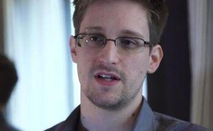 Ex-employé de la CIA et sous-traitant de la NSA, Edward Snowden, 29 ans, est la source des fuites sur les programmes de surveillance du renseignement américain.