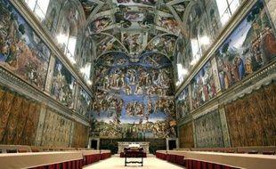 La Chapelle Sixtine est depuis l'été sous étroite surveillance scientifique pour détecter avec précision tout ce qui, dans l'atmophère, est susceptible de dégrader ses fresques, a révélé jeudi le directeur des Musées du Vatican.