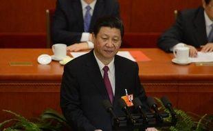 """Le nouveau président chinois Xi Jinping entame vendredi une visite en Russie, premier déplacement à l'étranger depuis son investiture, afin de relancer les liens économiques et le """"partenariat stratégique"""" entre les deux pays."""