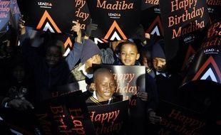 L'Afrique du Sud a souhaité mercredi un joyeux 94e anniversaire à son héros Nelson Mandela, chacun étant invité à multiplier les bonnes actions en hommage au premier président noir du pays.