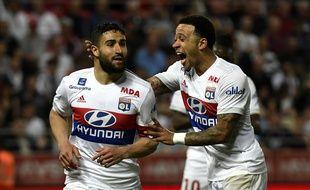 Nabil Fekir, ici félicité par Memphis Depay après un but inscrit à Dijon (2-5) le mois dernier.