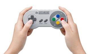 Nintendo a commercialisé une manette SNES pour sa Switch.