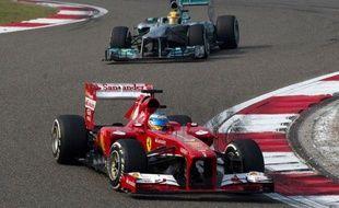 L'Espagnol Fernando Alonso (Ferrari), vice-champion du monde 2012, a remporté dimanche à Shanghai le Grand Prix de Chine de Formule 1, devant le Finlandais Kimi Räikkönen (Lotus) et le Britannique Lewis Hamilton (Mercedes), sa 31e victoire en F1.