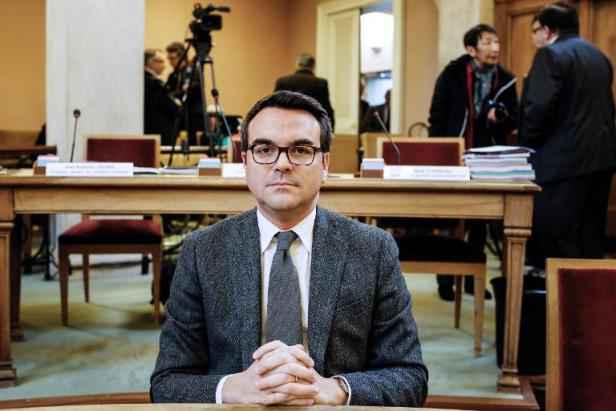 Video fraude fiscale manuel valls et fran ois hollande for Conseiller commerce exterieur