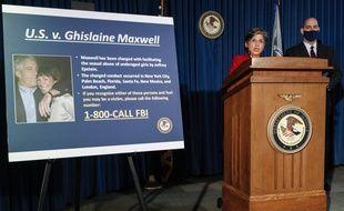 La procureure Audrey Strauss annonçant les accusations contre Ghislaine Maxwell, à New York le 2 juillet 2020.