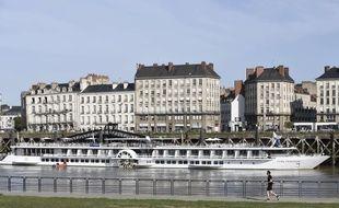 """Le bateau """"Loire Princesse"""" navigue sur la Loire entre Nantes et Anger"""