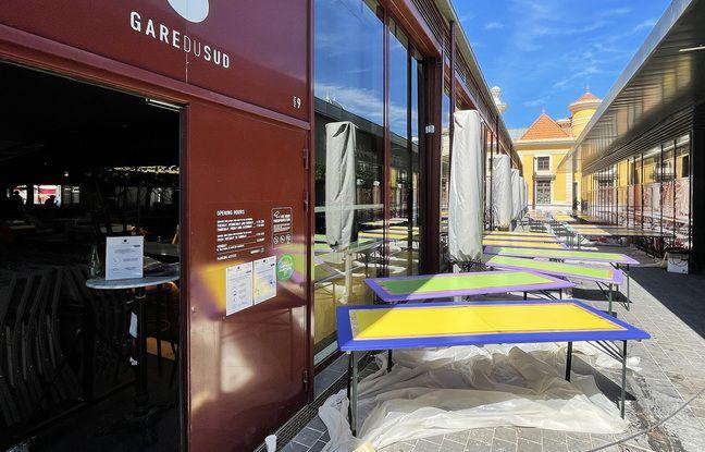 Un mobilier très coloré et uniformisé va être utilisé sur les terrasses