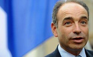 """Jean-François Copé s'est déclaré """"surpris"""" mardi par les déclarations de l'ancien Premier ministre François Fillon, selon lequel l'élection du président de l'UMP à l'automne constituerait """"une primaire avant l'heure"""", dans la perspective de la présidentielle de 2017."""
