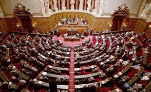 Les députés UMP ont failli faire supprimer mardi un article du budget de l'agriculture mais une suspension de séance, décidée malgré leurs vives protestations, a permis aux députés PS de courir dans les couloirs pour venir grossir les rangs dans l'hémicycle.