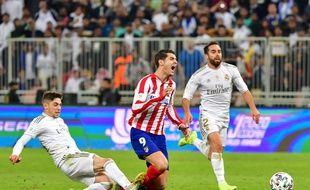 Valverde s'est sacrifié pour empêcher un but de Morata en finale de la Supercoupe d'Espagne.