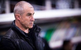 L'entraîneur de Toulouse Alain Casanova, lors de la défaite du TFC à domicile contre Bordeaux (1-3), en Coupe de la Ligue, le 28 octobre 2014.