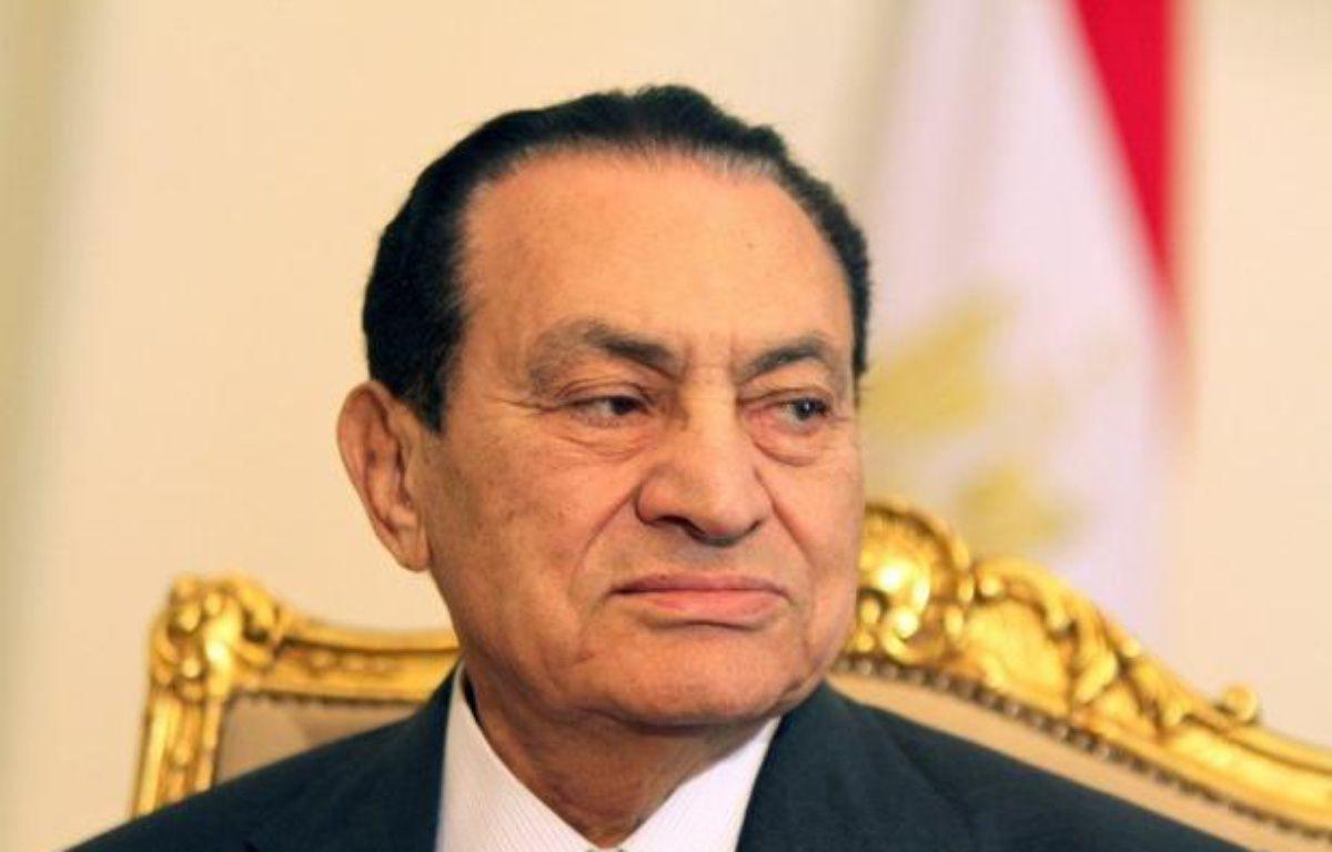 Le procès de l'ex-président égyptien Hosni Moubarak pour corruption et meurtre de manifestants a été reporté dimanche au 28 décembre, en attendant une décision sur un éventuel remplacement du juge, a indiqué l'agence officielle Mena. – Khaled Desouki afp.com