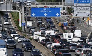A quelques heures du reconfinement, un record d'embouteillages a été enregistré à Lyon. (illustration)