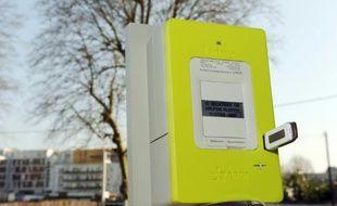 """Photo prise le 18 mars 2009 à Tours, du nouveau compteur électronique """"communicant"""", baptisé Linky"""