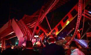 Effondrement d'un pont à Mexico alors qu'une rame de métro roulait dessus, le 4 mai 2021.