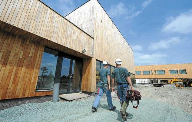 Après deux ans de travaux, le collège en bois d'Héric ouvrira à la rentrée.