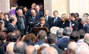 Un millier de personnes ont assisté lundi dans son village de Letia (Corse-du-Sud) aux obsèques du président du Parc naturel régional de la Corse (PNRC) et maire de la ville, Jean-Luc Chiappini, assassiné jeudi dernier à Ajaccio.