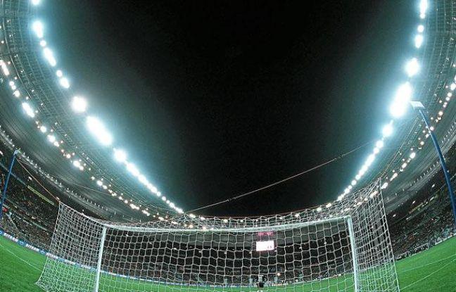 Le Stade de France vu de la pelouse.