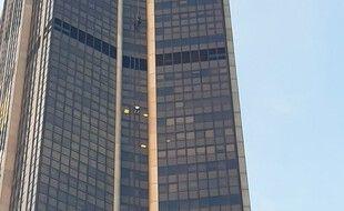 Un homme a tenté, le 18 septembre 2020,  d'escalader la Tour Montparnasse à mains nues.