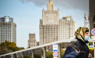 Le gouvernement russe continue d'annoncer des records de décès et de contamination parmi sa population.