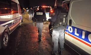 Illustration. Compagnie de sécurisation en patrouille dans le quartier du Neuhof à Strasbourg. Le 03 11 2009
