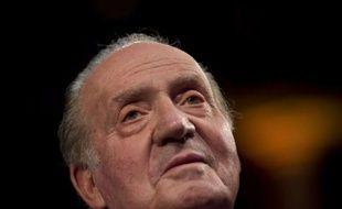 """Le roi d'Espagne Juan Carlos, qui fête samedi ses 75 ans, a accordé son premier entretien télévisé en plus de 10 ans, décidé à reconquérir une popularité au plus bas après un """"annus horribilis"""" 2012, marqué par plusieurs scandales et la crise."""