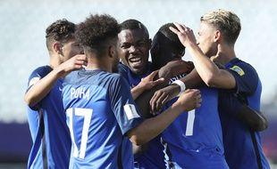 L'équipe de France s'est qualifiée pour les 8e de finale du Mondial U20 et jouera l'Italie, le 28 mai 2017.