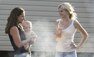 Un bébé ou une bière, pas besoin de choisir avec la bière sans alcool MamaBeer. (Illustration)