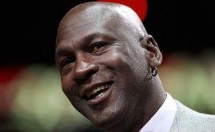 La sortie du dernier modèle de baskets créées par Nike pour l'ancien basketteur Michael Jordan s'est soldée vendredi par des échauffourées, des mouvements de foule et plusieurs arrestations à travers les Etats-Unis, selon la police et les médias locaux.