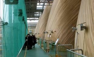 Les salles du TGI fermées après la chute d'une grande plaque de bois pendant une audience.