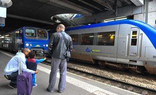 TER à la gare de Rennes.