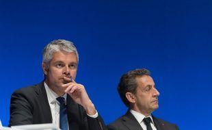 Laurent Waquiez et Nicolas Sarkozy au conseil national du parti Les Républicains à la Mutualité à Paris le 2 juillet 2016.
