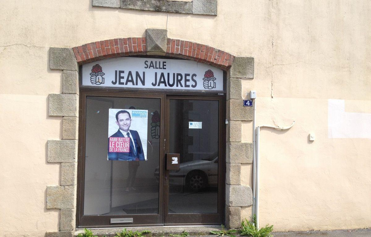 La façade de la section locale du Parti socialiste, à Carhaix (Finistère). – L. Cometti / 20 Minutes