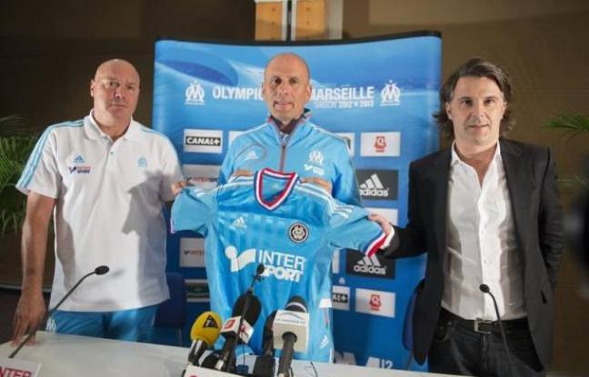 """Le choix d'Elie Baup, nommé mercredi entraîneur de Marseille (Ligue 1), """"s'est imposé comme une évidence"""", a affirmé jeudi le président Vincent Labrune lors d'une conférence de presse à Crans-Montana (Suisse), où les joueurs de l'OM sont en stage jusqu'au 13 juillet."""