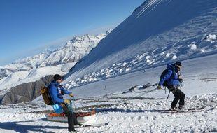 Une avalanche qui s'est déclenchée dimanche 18 mars en Chartreuse a tué un étudiant de 25 ans et blessée gravement une skieuse canadienne, évacuée en traneau . C.Girardon / 20 Minutes (illustration)