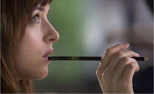 Dakota Johnson incarne Ana dans «50 nuances de Grey»
