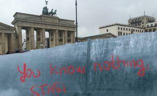 Le mur de Game of Thrones pour séparer Berlin-Ouest et Berlin-Est? Oui, notre imagination nous porte loin.