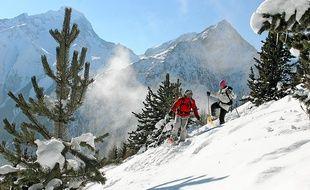 La raquette et le ski de rando attirent de nombreux pratiquants en quête de nouveaux terrains d'aventure (Illutration)