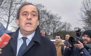 Michel Platini devant le siège de la Fifa, à Zurich, le 15 février 2016.